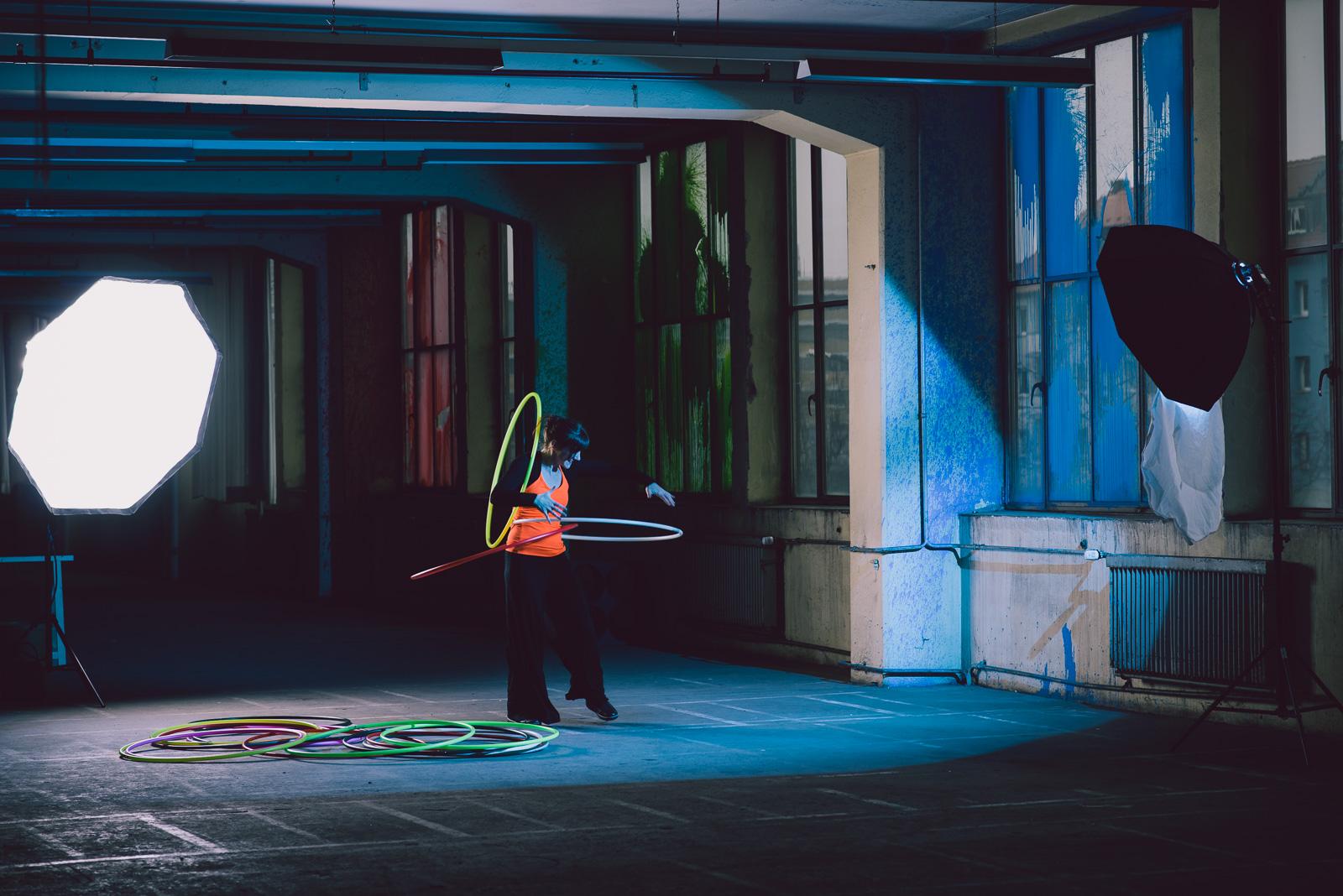 hula-hoop-shooting-behind-the-scenesLY8_0802